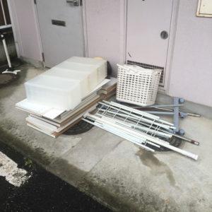 前橋市内で、座椅子、プラスチックケースなどの回収1