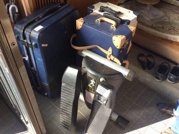 【高崎市中居町】テレビ、スーツケースの回収☆処分に困っていた不用品を電話ひとつで処分できる手軽さにご満足いただけました!