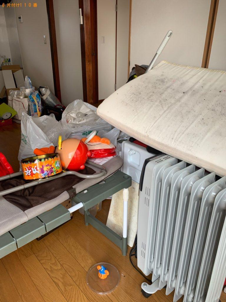 【名張市】遺品整理で食器棚、自動車タイヤ、オイルヒーター等の回収